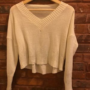 NWOT WHITE CROPPED SWEATER